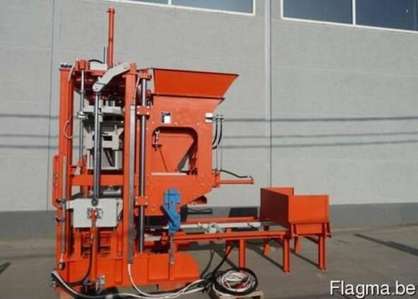 Блок машина для производства тротуарной плитки, бордюров R300